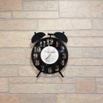 Laikrodis is vinilines ploksteles zadintuvas